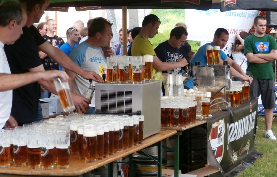 Pivní štafeta