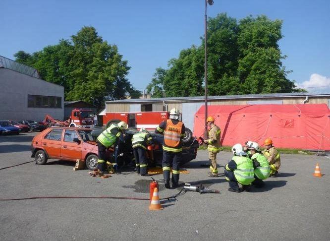 2 cvičení dobrovolných hasičů:foto:HZSOL,ÓU Šumperk