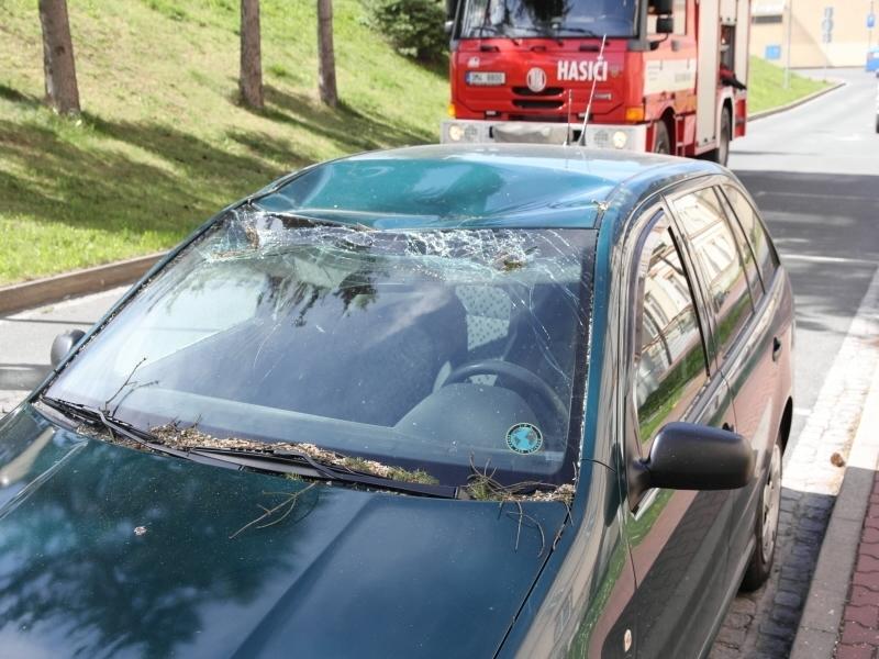 poškozené vozidlo