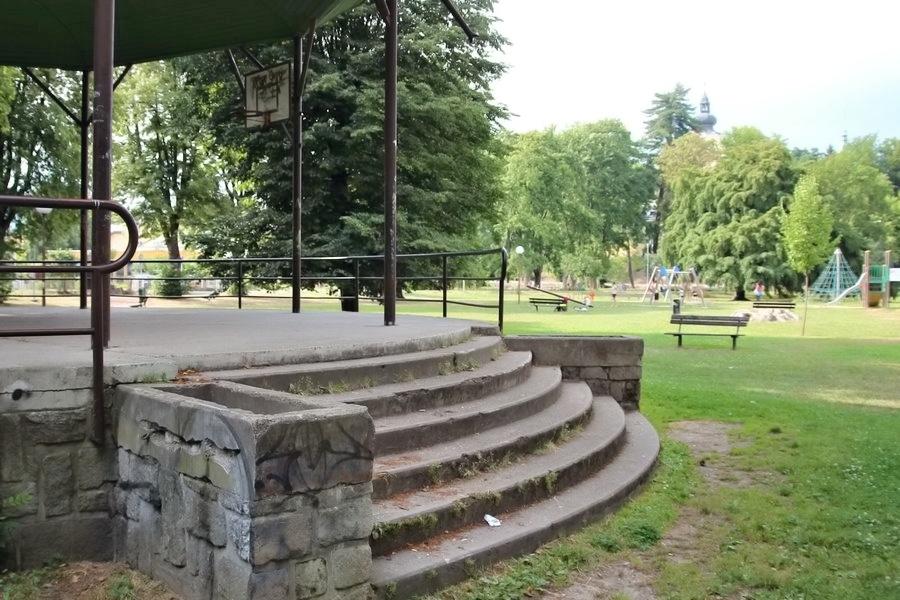 rekonstrukce parku se dotkne i části, kde je Oranžové hřiště foto:sumpersko.net