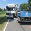 Kolize dvou nákladních vozidel v Oskavě
