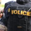 Mladík s nožem v ruce ohrožoval na ulici maminku s dětmi