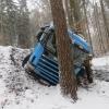 Řidič u Rohle sjel ze silnice do lesního prostoru
