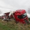 Nákladní vozidlo na Jesenicku najelo na nezpevněnou krajnici
