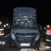 Řidič čelně narazil do před ním jedoucího návěsu